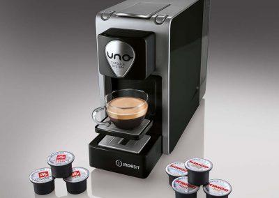 2014 Macchina caffè Uno Capsule System Indesit